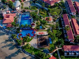 Qualton Club Ixtapa photos Exterior