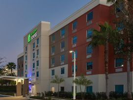 Holiday Inn Express & Suites Ft. Lauderdale Airport/Cruise photos Exterior