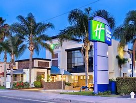 Holiday Inn Express Costa Mesa photos Exterior