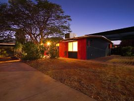 4 Page Street - Colourful And Shady 3-Bedroom Home photos Exterior