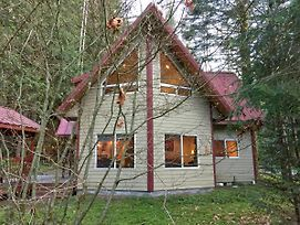 Mt. Baker Rim Cabin #50 - Welcome To The Thirsty Moose Lodge! photos Exterior