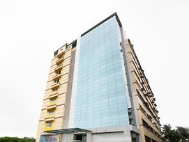 Modish 1Bhk Suite Near Airport photos Exterior