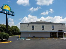 Days Inn By Wyndham Chesapeake photos Exterior