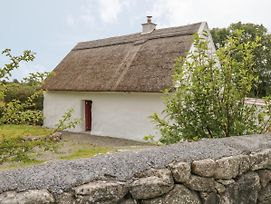 Spiddal Thatch Cottage photos Exterior