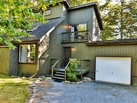 Lodge Centrally Located In The Pocono Mountains photos Exterior