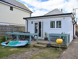 Stones Throw photos Exterior