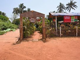 Beach Facing Cottage In Calangute Goa photos Exterior