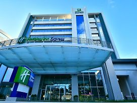 Holiday Inn Express Asuncion Aviadores photos Exterior