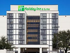 Holiday Inn & Suites Beaumont-Plaza photos Exterior