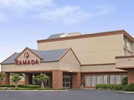 Ramada By Wyndham Dallas Love Field photos Exterior