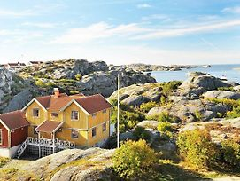 Five Bedroom Holiday Home In Skarhamn photos Exterior