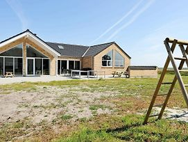 Six-Bedroom Holiday Home In Romo 2 photos Exterior