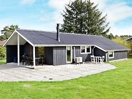 Three-Bedroom Holiday Home In Rodby 25 photos Exterior