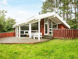Four Bedroom Holiday Home In Ebeltoft 12 photos Exterior
