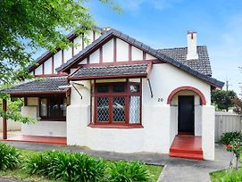 Victor Harbor Cottage 'Cornhill' - Pet Friendly photos Exterior