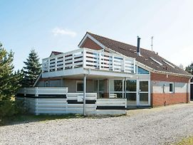 Five Bedroom Holiday Home In Glesborg 6 photos Exterior