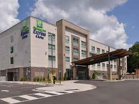 Holiday Inn Express & Suites Charlotte - Ballantyne photos Exterior