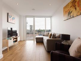 Stunning 1 Bed Apt W/Balcony Nr River Thames photos Exterior