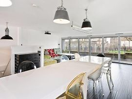 Vibrant 2 Bed Apt W Large Balcony In Shoreditch photos Exterior