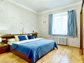 Sr14 7 Three Separate Bedrooms Near Khreschatyk Palace Of Sports Gulliver Mall Shota Rustaveli St 14 photos Exterior