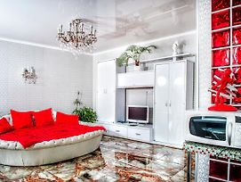 Soborna Square Apartment photos Exterior