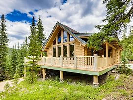 New Listing! Charming Log Home W/ Private Hot Tub Home photos Exterior