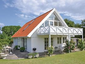 Three-Bedroom Holiday Home In Fredensborg photos Exterior