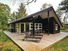 Three-Bedroom Holiday Home In Blavand photos Exterior