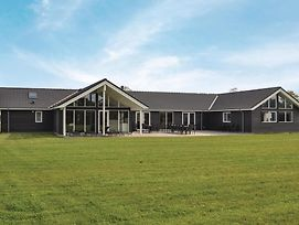 Twelve Bedroom Holiday Home In Grenaa photos Exterior