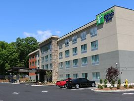Holiday Inn Express & Suites Hendersonville Se - Flat Rock photos Exterior