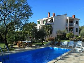 Apartments With A Swimming Pool Pula - 7356 photos Exterior