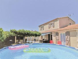 Stunning Home In Chateaurenard W/ Wifi, Outdoor Swimming Pool And 3 Bedrooms photos Exterior