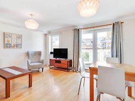 Lovely 2Bed 2 Bath Flat W Balcony 1 Minute To Jubilee Line photos Exterior