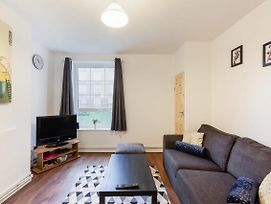 Spacious 2Bed Apt. Canary Wharf 3 Min To Station photos Exterior
