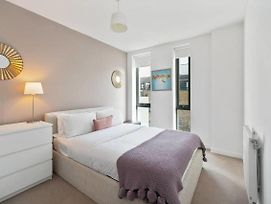 Chic 2Bed East London Flat W Private Balcony photos Exterior