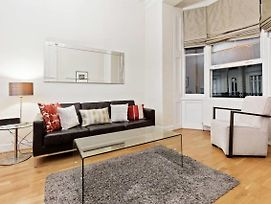 Spacious 2 Bed Flat W Patio In Central London photos Exterior