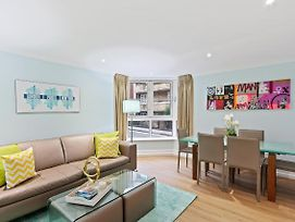 Sophisticated Design 2 Bed Apt W Patio In Angel photos Exterior