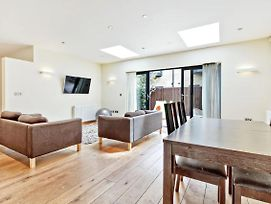 Stylish Bright 3Bed 2Bath Duplex In North London photos Exterior