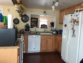 Large Bay Side Home Located Close To The Center Of Town. Ship Bottom 66222 photos Exterior