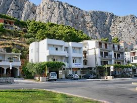 Apartments With Wifi Omis - 4654 photos Exterior