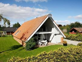 Five-Bedroom Holiday Home In Juelsminde 2 photos Exterior