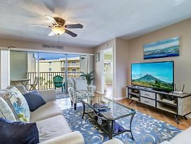 New Listing! Beachfront Perch W/ Pool & Balcony Condo photos Exterior