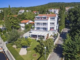 Apartments By The Sea Selce 4801 photos Exterior