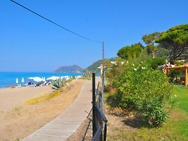 "Beachfront Holiday House ""Yannis"" On Agios Gordios Beach In Corfu photos Exterior"