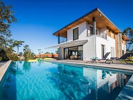 Beautiful Architect Villa With Pool And Golf View In Anglet photos Exterior