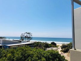 Absolute Beachfront - Cabarita Beach - Ocean Views - 3 Bed Apartment photos Exterior