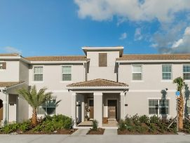 You And Your Family Will Love This 5 Star Home With Private Pool On Storey Lake Resort, Orlando Townhome 1004 photos Exterior