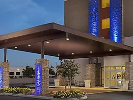 Holiday Inn Express Visalia photos Exterior