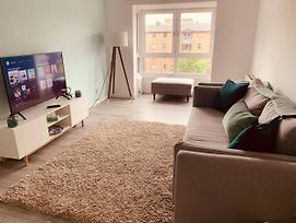 Lovely Spacious 2 Bedroom Flat By The Meadows photos Exterior