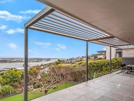 Elegant Luxury & Stunning Views Await photos Exterior